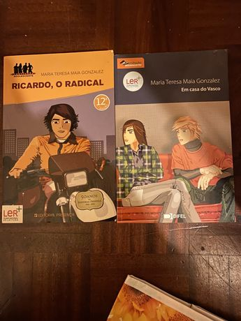 2 Livros da Coleção Adolescente de Maria Teresa Maia Gonzalez