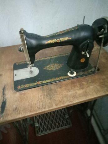 швейная машинка подолянка и зингер