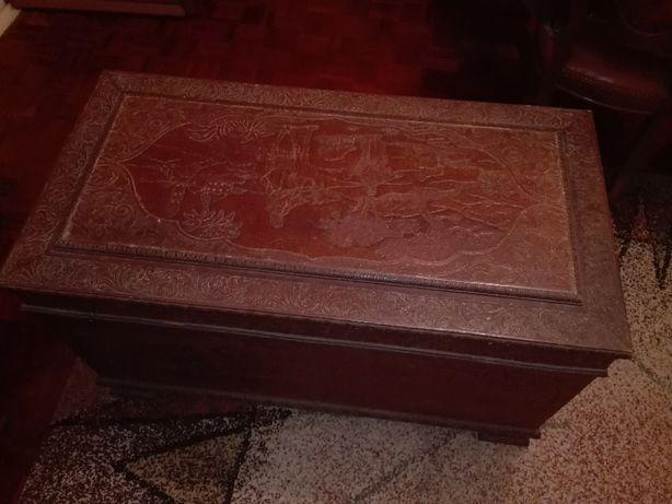 ARCA antiga de CANFORA maciça