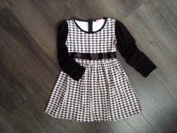 платье на девочку 6-7 лет можно для школы состояние идеальное