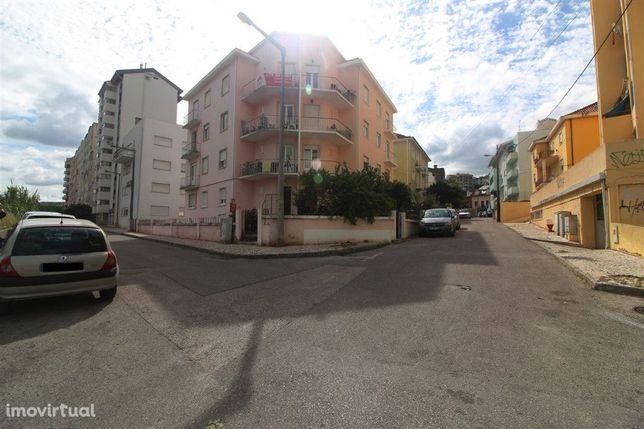 Prédio, 8 quartos, Coimbra, Rua do Brasil