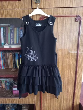 Продам детские платья