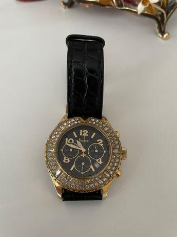 Часы женские Freelook камни Swarovski