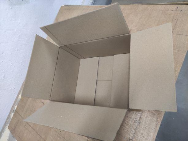 Коробка картоная  б/у.  4.95 грн
