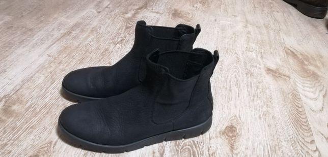Продам ботинки ECCO