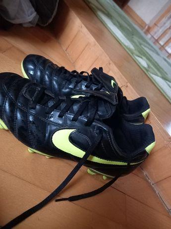 Копачки Nike б/у
