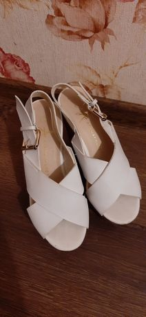 Удобная женская обувь на лето.