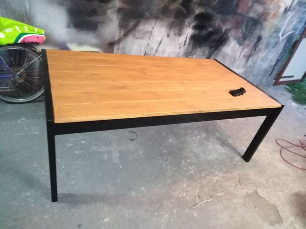 Stół ogrodowy solidny