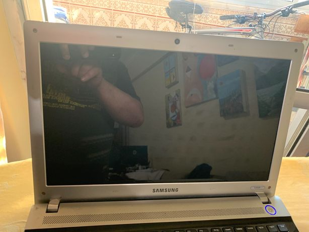 Portátil Samsung S3520