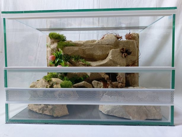 Terrarium AquaWaves nr. kat.TW04PU (pająk, jeż, agama, wąż, gekon)