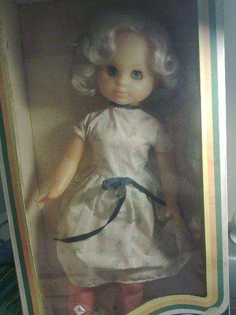 Boneca MISS antiga linda ainda com caixa de origem