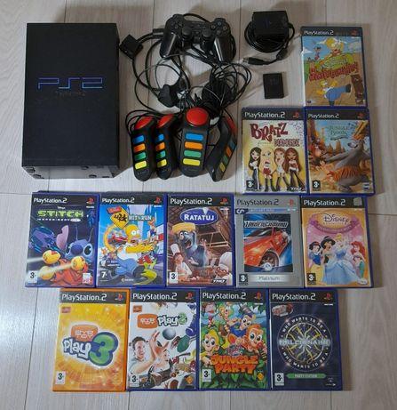 Playstation 2 z kontrolerami, kartą pamięci i grami