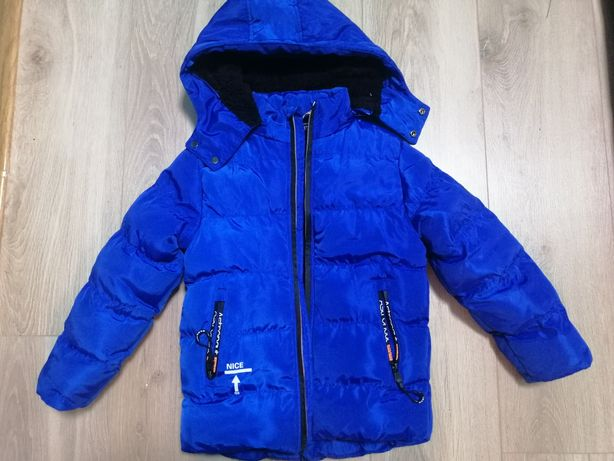 Зимняя куртка для мальчика на рост 104 см