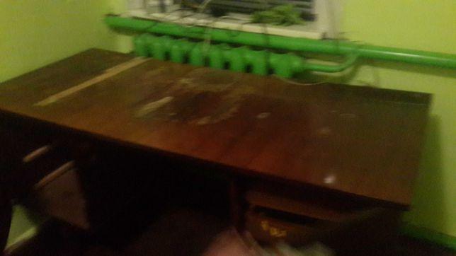 Отдам 2-х тумбовый письменный стол