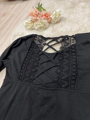 Czarna bluzka z wycięciem koronka elegancka M 38 sinsay damska ma dług