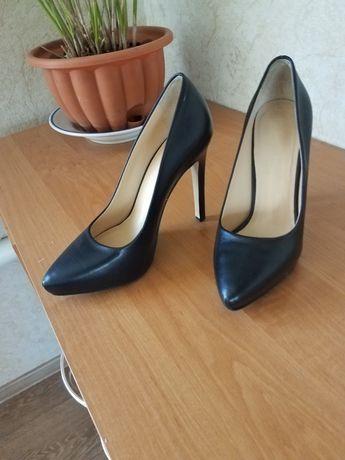Кожанные туфли Paoletty 38Размер