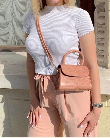 Маленькая  пудровая розовая сумка,сумочка