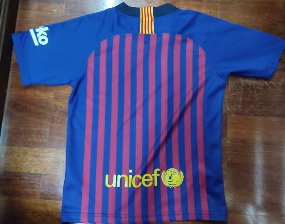 Vendo camisola de Barcelona por 20 euros ! Em bom estado!