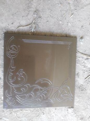 продам ящик нової глянцевої плитки з візерунком