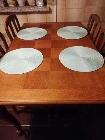 Stół ludwikowski z 4 krzesłami