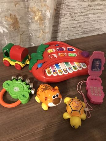 Набор игрушек музыкальное пианино телефон