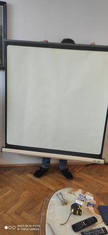 Profesjonalny ekran projekcyjny Brilant