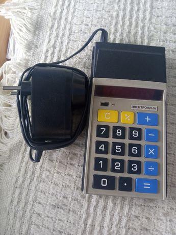 Zabytkowy rosyjski kalkulator Elektronika z zasilaczem sprawny okazja