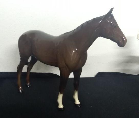 Cavalo em porcelana inglesa Royal Doulton