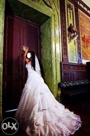 Продам/сдам в аренду Свадебное платье Benjamin Roberts 901