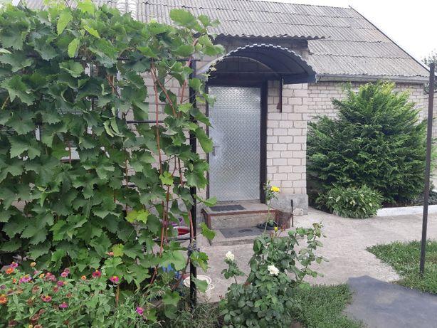Продам дом в пгт Новониколаевка (ж/д станция Верхнеднепровск)