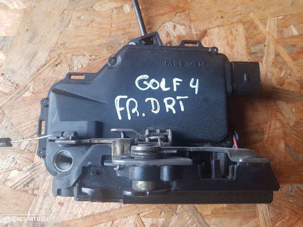 Fecho Porta Frente Direita VW Golf IV