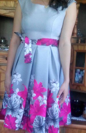 Sukienka w kwiaty rozmiar 42