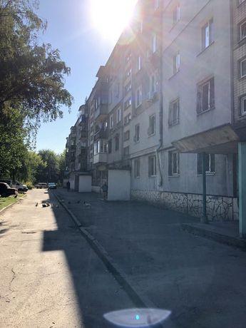 Продам 2 х комнатную квартиру район ЦКР