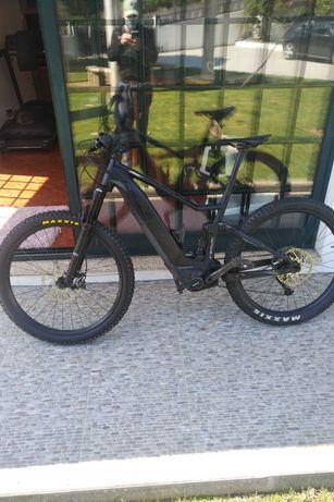 Vendo Scott E bike, 4000 km maioritariamente feitos em ciclovias.