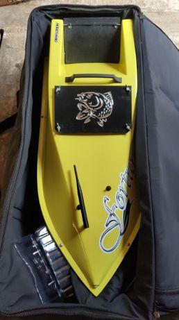 Карповый кораблик для прикормки ФОРТУНА с эхолотом