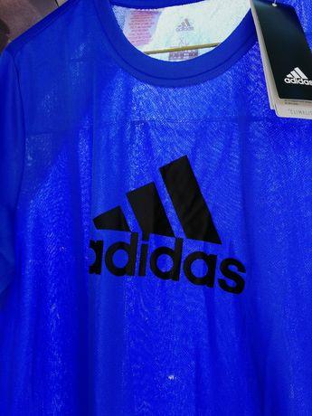 T-shirt Adidas original rapaz nova com etiqueta