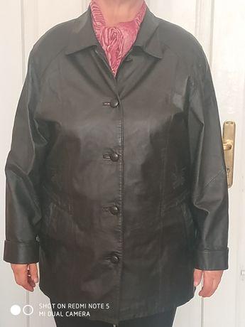Шкіряна жіноча осіння куртка