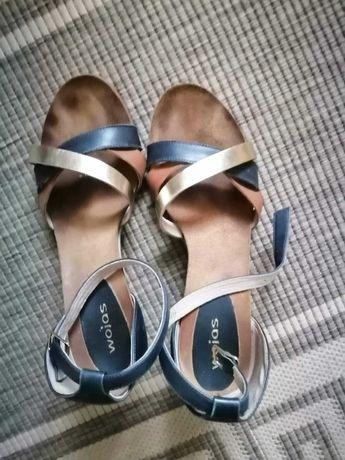 Skórzane sandałki.