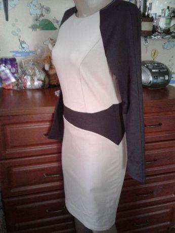Stets оригинальное комбинированное силуэтное платье миди-длины 44-46р