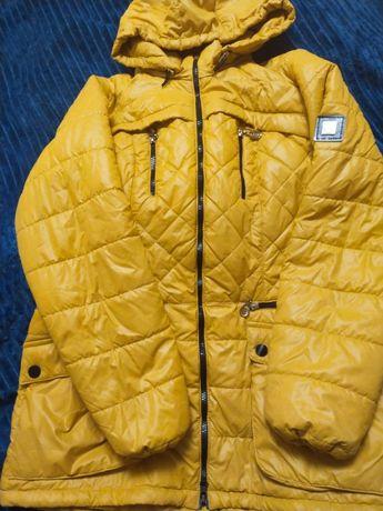 Демисезонная женская курточка размер 48-50