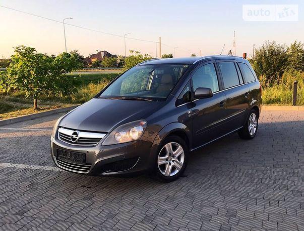 Opel Zafira Cosmo 2011