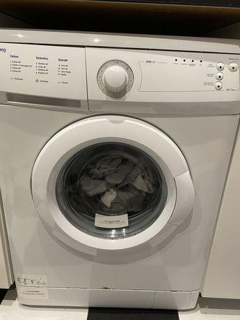 Maquina de roupa e forno