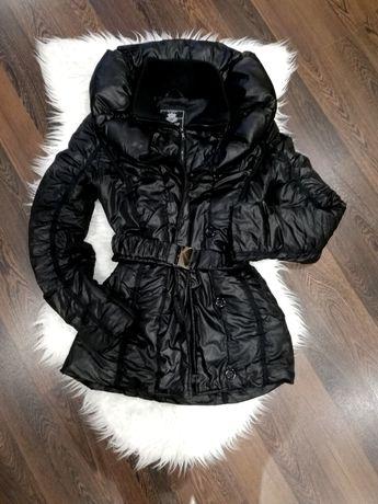 Pikowany płaszcz zimowy z pasem M