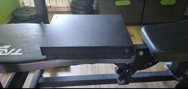 Xbox One X 1TB + 5 gier