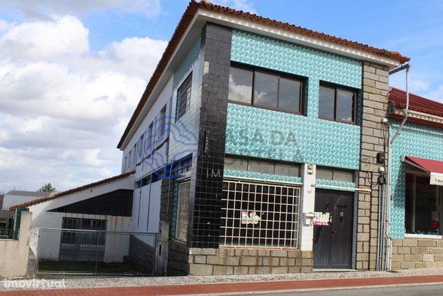 Armazém em Oliveira do Bairro em zona de elevada centralidade- Arrenda