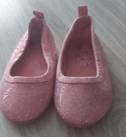 Pantofelki Balerinki r. 24