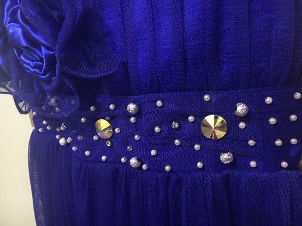 Платье нарядное 10 лет