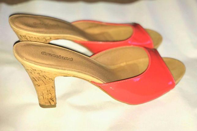 Босоножки туфли шлепанцы мюли кораллового цвета