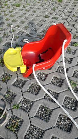 Huśtawka ogrodowa dla dziecka ze stolikiem