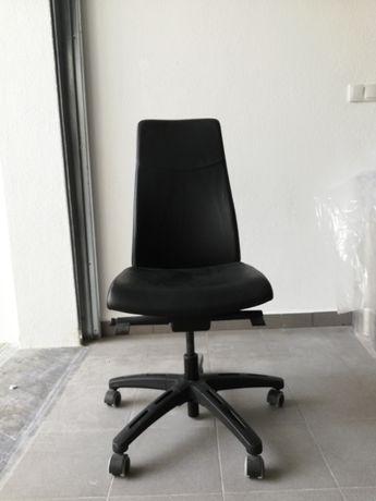 Cadeira de escritório ergonómica s/ braços